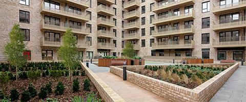 L&Q housing court yard